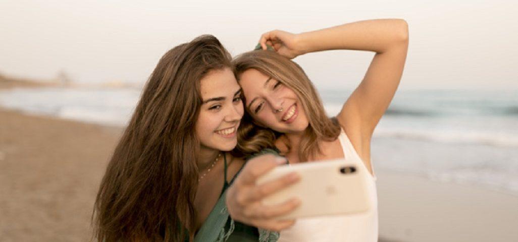 Accesorii telefoane pe placul tinerilor