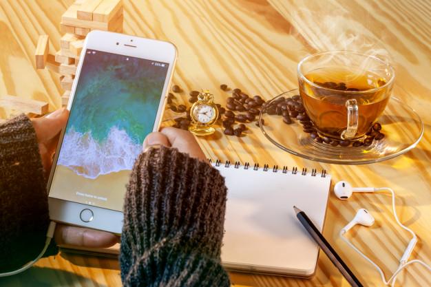 Accesorii obligatorii pentru orice iPhone
